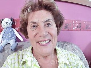 Omas nude - Alte oma fickt ihren enkel