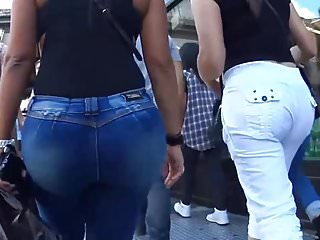 Hot milfs in sexy jeans Sexy jeans