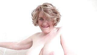 british mom with perfect big boobs cheating tinder