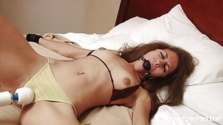 Babysitter gets bound to the bed while getting pleasured
