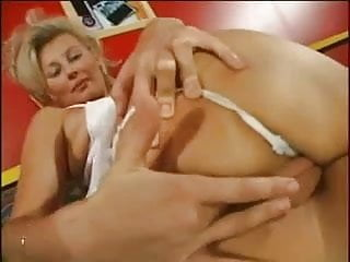 My mom anal - My mom in a threesome