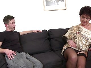 Webcam mom fucking son - Mature queen mom fucking not her son