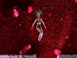 Mean suvari naked Mena suvari - american beauty 02
