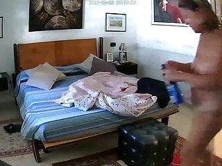 Video sharing italian porn Moglie che si spoglia spycam