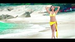 Alia Bhatt in bikini khanki