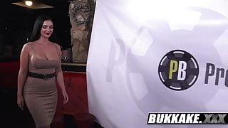 Lady Gets Massive Hot Blowbang Bukkake