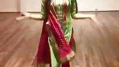Clothed beautiful dance by sexy babe on hindi song