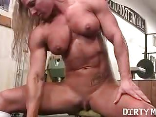 Female bodybuilders big clits Naked female bodybuilder shows off big clit