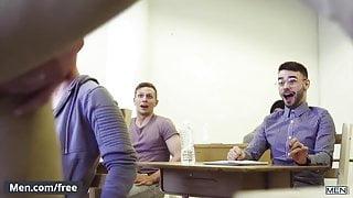 Stunning teacher gets horny in class room seduce students