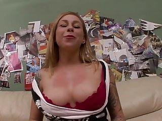 Scarlett pain xxx streaming videos Tattooed girl gets banging