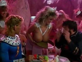 Flesh gordon nude Melissa mounds - flesh gordon meets the cosmic cheerleaders