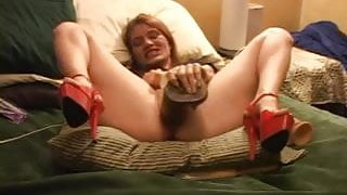 Amateur monster dildos squirt and self fisting