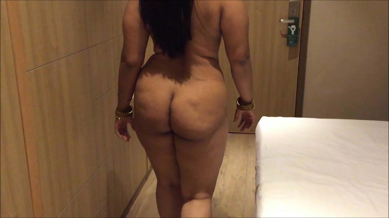 Ass in pantyhose bbw spread
