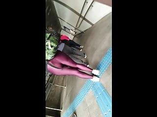 Hot milf legs - Hot milf in purple leggings big ass candid