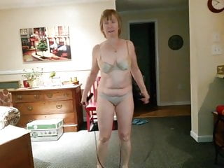 Irish redheaded beauties Mary jumps rope