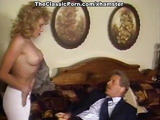 Busen extra busty belle - Barbii, tracey adams, busty belle in vintage fuck video
