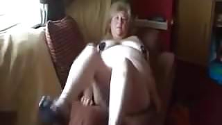 Granny shows her cunt