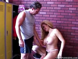 Fucking lee pamela tommy Mature pornstar pamela peaks is a super hot fuck