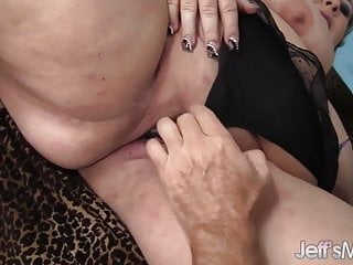Hot fat mature ladys - Mature bbw lady lynn takes on a fat cock