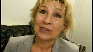 Salacious blonde cougar likes to polish the knob while fuck