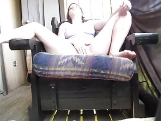 Tranny masterbates on herself - Sweet girl pissing on herself
