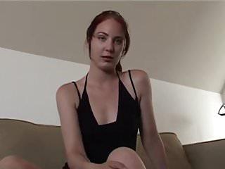 Pretty een young porn Handyman neukt een jonge alice
