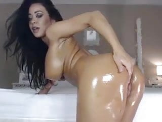 Nice irish ass Sexy body oil