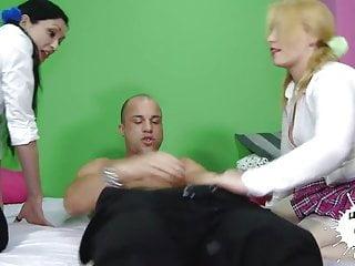 Cristina aguilera naked pics - Dos putas para antonio aguilera