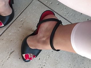 Sexy strappy high heels sandals - Pissing on sexy feet in high heels sandals