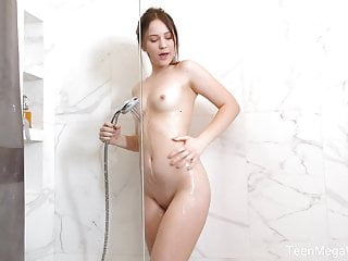 Female sexual stimulation using water - Teenmegaworld - beauty-angels - forget sex toys, use water