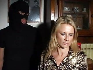 Giovanni v famosi attori porno italiani - Stupri italiani 17 italian uses