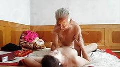 おじいちゃんと熟女アジアの売春婦