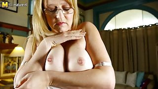 American Step Mom with nice tits and pussy