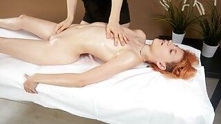 Pussy massage – virgin lesbian orgasms