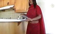 イギリス人インド人ヒンドゥー売春婦の運命が中出しに飢えている