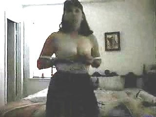 Quality mature pussy Self film mature in bedroom. poor quality sorry