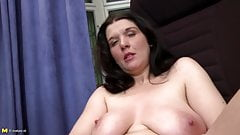 Sexiest mature mothers and grannies with thirsty holes