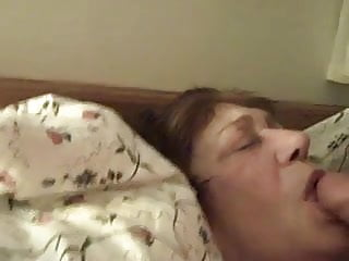 Cum in her face - Old perverted maid receive cum in her face