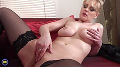 Busty mature mom Helga with thirsty vagina