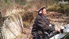 Reife asiatische Prostituierte von Opa vollgespritzt