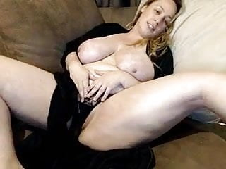 Directorio gay espa ol Some big ol tits in basement