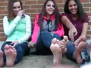 Teen activity 1 samuel 3 1-18 3 college girls show off feet part.1