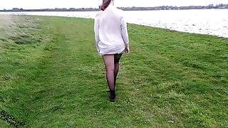 Amateur walks braless – public flashing