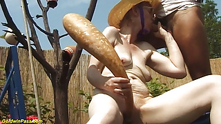 84 years old stepmom outdoor fucked