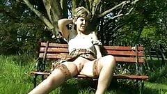 Amateur - Retro - VERY RARE - Sara open legs