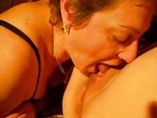 Leech sucking pussy Mature lady sucking pussy