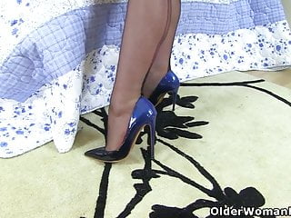 Kasia blue dildo video British milf red works her smooth fanny with a blue dildo