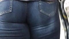 Loira rabuda jeans 2