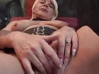 Raminator sex toys Horny mature playing with sex toys