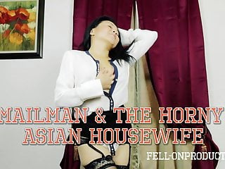 Delivery guy girls blowjob - Asian housewife jackie lin blows the delivery guy